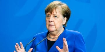 German Chancellor Angela Merkel attends a press conference about measures to avoid further spread of the coronavirus and the COVID -19 disease after a government meeting at the chancellery in Berlin, Germany, on April 20, 2020. (Photo by Markus Schreiber / POOL / AFP)