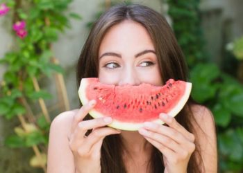 6 Benefits of eating watermelon during pregnancy